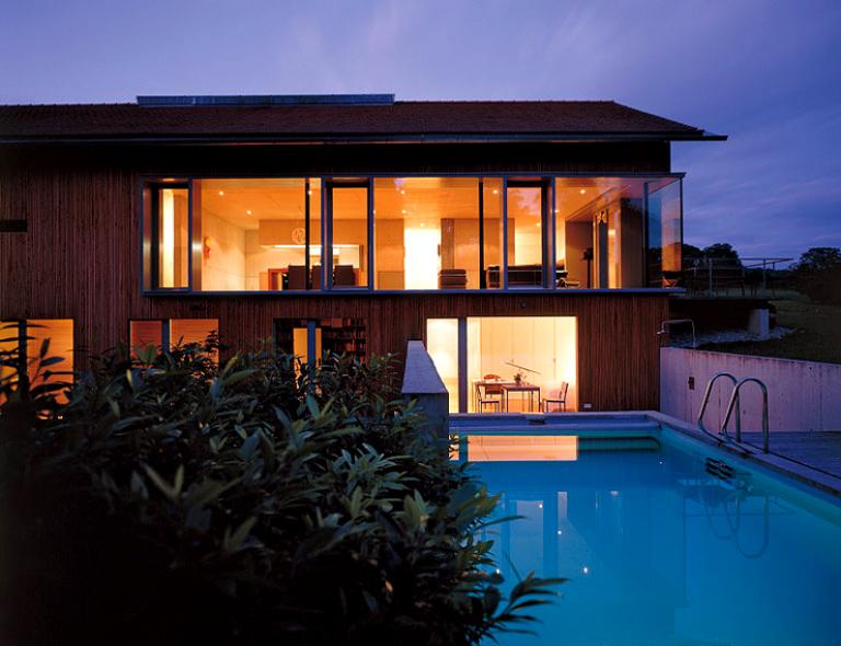 riesige glasfront zum garten bild 2 sch ner wohnen. Black Bedroom Furniture Sets. Home Design Ideas