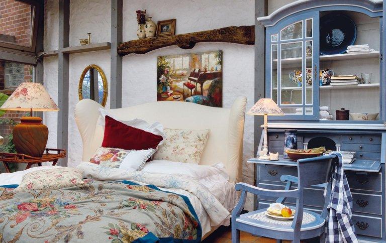 bett mit ohren bei domicil sch ner wohnen. Black Bedroom Furniture Sets. Home Design Ideas