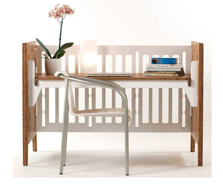 Dieser schreibtisch ist auch ein babybett sch ner wohnen - Como hacer un mueble de salon ...