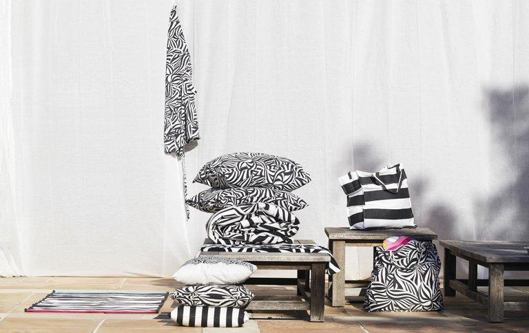 textilkollektion myrlilja im zebra look bei ikea sch ner wohnen. Black Bedroom Furniture Sets. Home Design Ideas