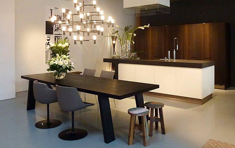 porro mit neuem showroom in berlin sch ner wohnen. Black Bedroom Furniture Sets. Home Design Ideas