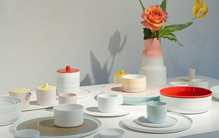 Skandinavisches Porzellan die schönsten tafelservice becher und kannen der saison mixen