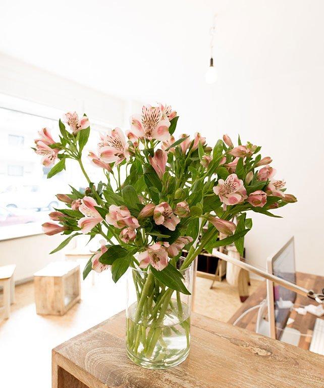 welche vase f r welche blume vasen guide von zwei experten sch ner wohnen. Black Bedroom Furniture Sets. Home Design Ideas