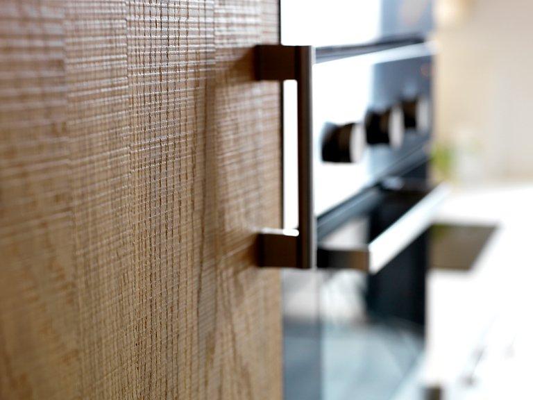 neu im herbst k chenfront norje mit eichenfurnier. Black Bedroom Furniture Sets. Home Design Ideas
