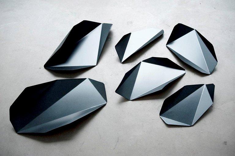 schale piega von made in design editions an gemoetrischen kristallinen formen k nnen wir uns in. Black Bedroom Furniture Sets. Home Design Ideas
