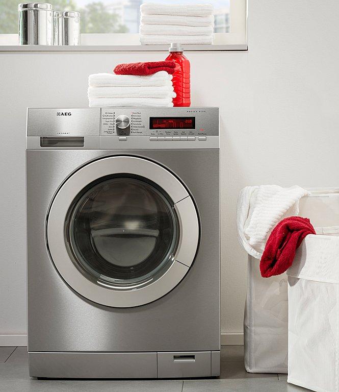 neue edelstahl waschmaschine von aeg sch ner wohnen. Black Bedroom Furniture Sets. Home Design Ideas