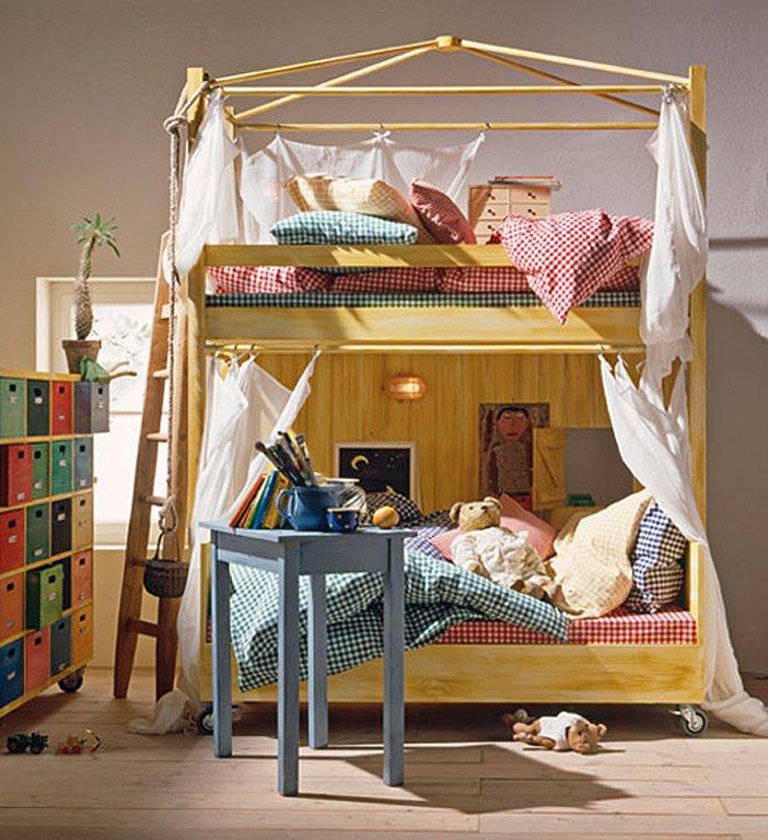 ein hochbett spart platz und macht spa die 15 besten wohntipps f r kinderzimmer 11 sch ner. Black Bedroom Furniture Sets. Home Design Ideas