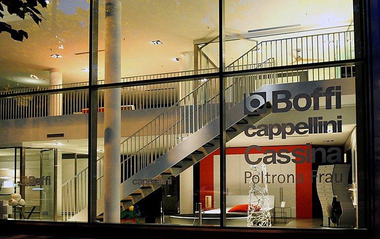 neuer showroom zeigt italienisches wohndesign in m nchen sch ner wohnen. Black Bedroom Furniture Sets. Home Design Ideas