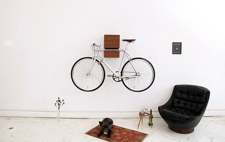 regal f r das rad kapp von mikili sch ner wohnen. Black Bedroom Furniture Sets. Home Design Ideas