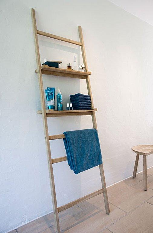 leiter garderobe nomad aus massivholz sch ner wohnen. Black Bedroom Furniture Sets. Home Design Ideas