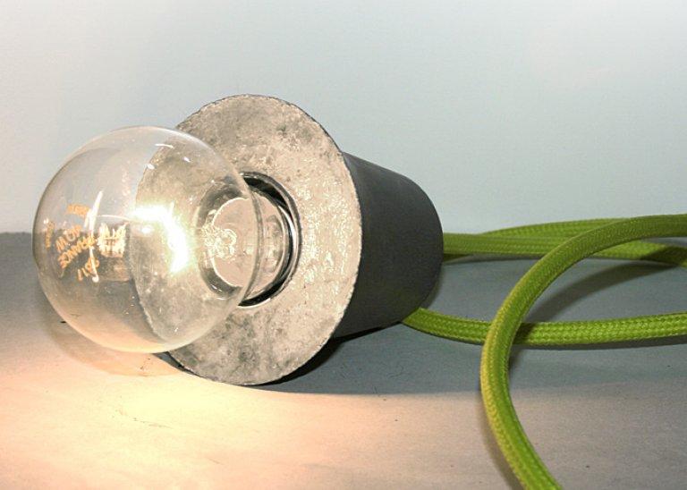 Textilkabelleuchte leuchtend grau mit betonfassung tipp for Bambusmobel hamburg