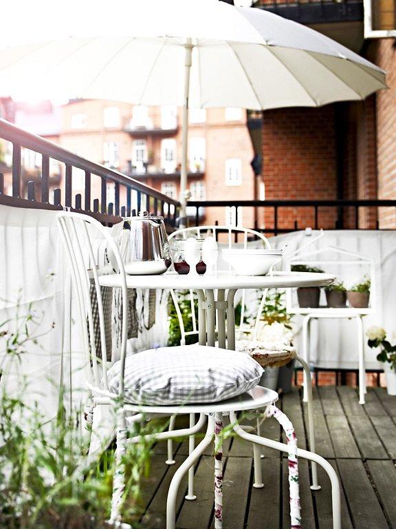 den balkon gestalten ideen zum einrichten sch ner wohnen. Black Bedroom Furniture Sets. Home Design Ideas
