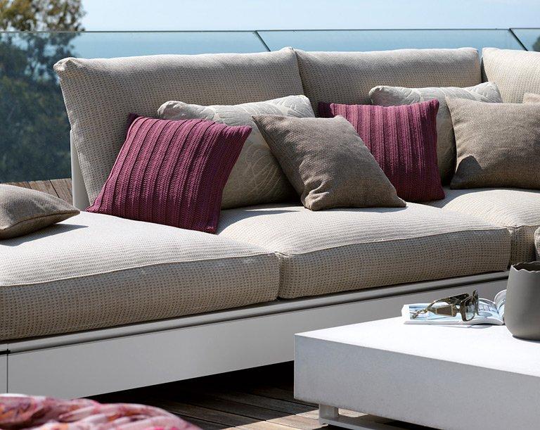 outdoor kissen f r mehr wohnlichkeit bild 10 sch ner. Black Bedroom Furniture Sets. Home Design Ideas