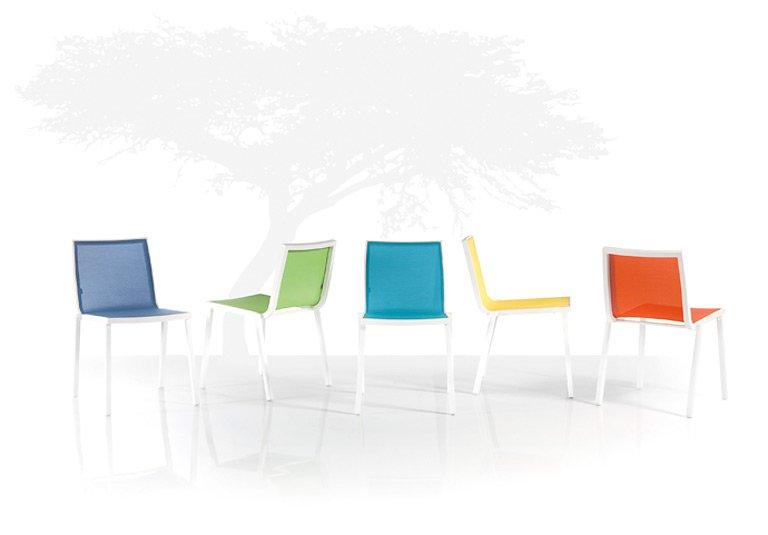 romantisches duo happy hour von unopi farbenfrohe gartenm bel 1 sch ner wohnen. Black Bedroom Furniture Sets. Home Design Ideas
