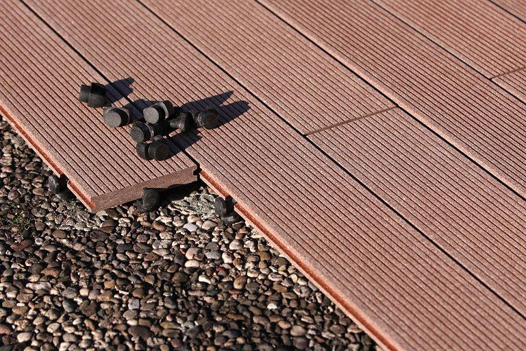 Genug Bodenbelag für Balkon und Terrasse – WPC, Holz oder Stein  NP01