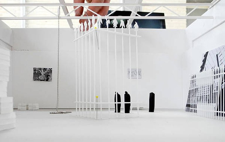 matthias megyeri acts of sweet dreams security in berlin sch ner wohnen. Black Bedroom Furniture Sets. Home Design Ideas