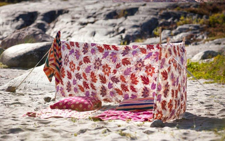 textilien in sommerfarben bei gudrun sj den sch ner wohnen. Black Bedroom Furniture Sets. Home Design Ideas
