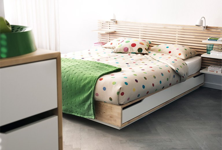 m bel bett mit schubladen von ikea bild 8 sch ner. Black Bedroom Furniture Sets. Home Design Ideas