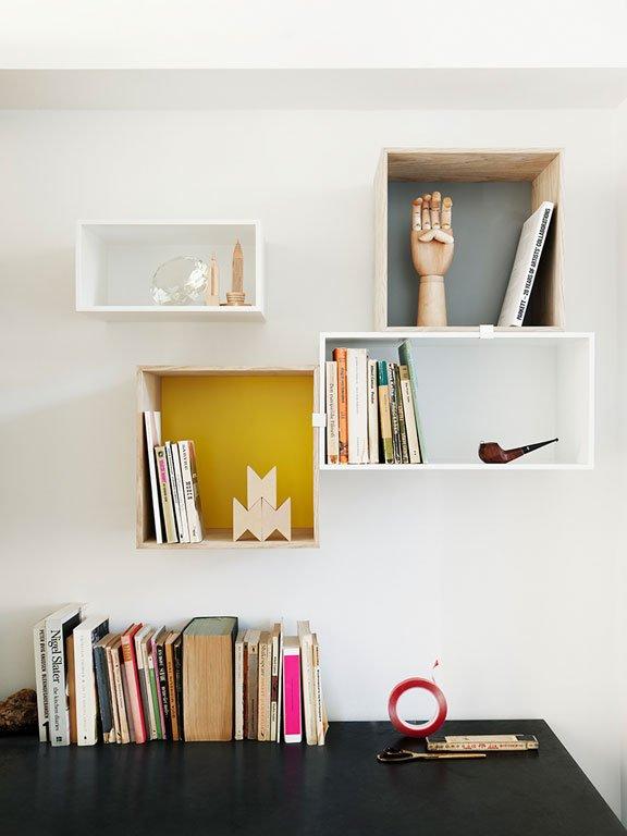 perfekt abgestimmt wandregal stacked mini von muuto. Black Bedroom Furniture Sets. Home Design Ideas