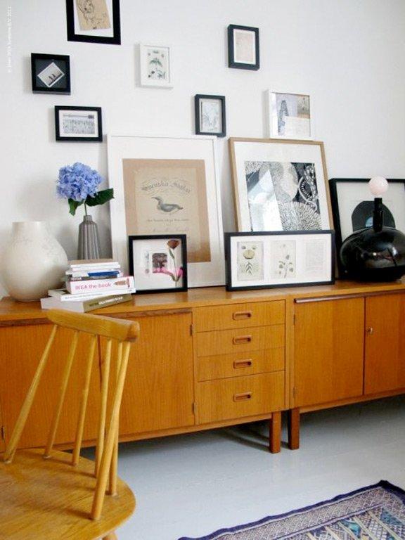 kleines wohnzimmer ikea:Kleines wohnzimmer ikea : Im Wohnzimmer Eine kleine Privatgalerie  ~ kleines wohnzimmer ikea