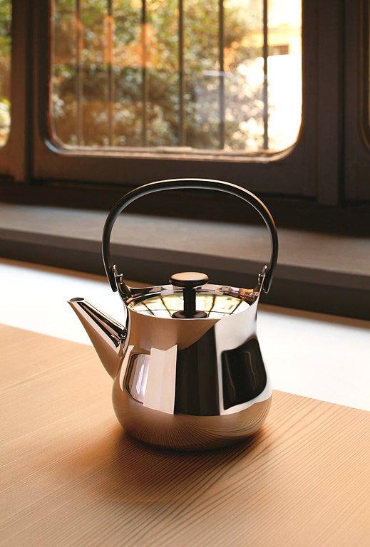 teekessel cha von fukasawa f r alessi sch ner wohnen. Black Bedroom Furniture Sets. Home Design Ideas
