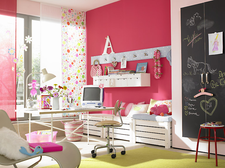 kinderzimmer als traum in pink kleiner raum sch ner wohnen. Black Bedroom Furniture Sets. Home Design Ideas