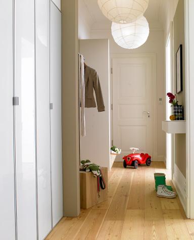 fotostrecke neubau flur und altbau flur sch ner wohnen. Black Bedroom Furniture Sets. Home Design Ideas