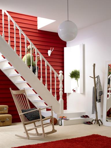 rote wand mit rott nen wohnen sch ner wohnen. Black Bedroom Furniture Sets. Home Design Ideas