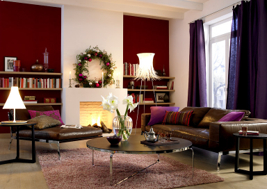 die rote wand edel und festlich dunkles rot sch ner wohnen. Black Bedroom Furniture Sets. Home Design Ideas