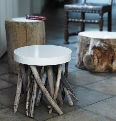 beistelltische beistelltisch ujaraqu aus treibholz von. Black Bedroom Furniture Sets. Home Design Ideas