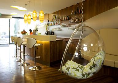 extravagant und luxuri s stil den man sich leisten kann hotel cocoon m nchen bild 13. Black Bedroom Furniture Sets. Home Design Ideas