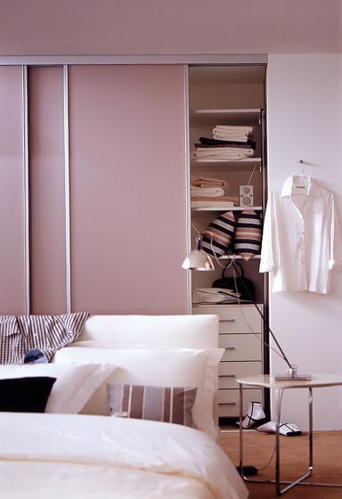 wohnen mit farben schranksystem von cabinet bild 9 sch ner wohnen. Black Bedroom Furniture Sets. Home Design Ideas