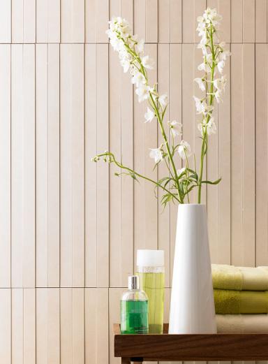 waschtisch mit fliesenspiegel wandgestaltung selber. Black Bedroom Furniture Sets. Home Design Ideas