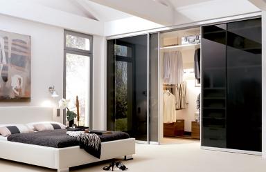 begehbarer kleiderschrank bei dachschr ge sch ner wohnen. Black Bedroom Furniture Sets. Home Design Ideas