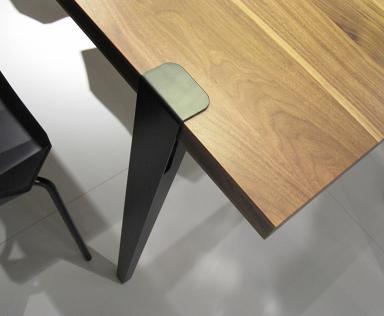 imm cologne tischbein u t von ligne roset bild 6 sch ner wohnen. Black Bedroom Furniture Sets. Home Design Ideas