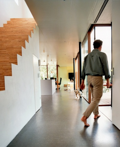 energiesparh user dunkler estrich und eichenparkett. Black Bedroom Furniture Sets. Home Design Ideas