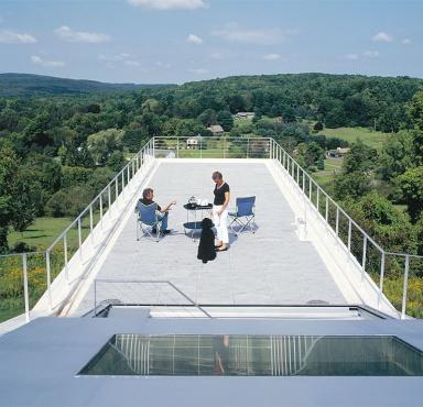 eine terrasse wie eine aussichtsplattform bild