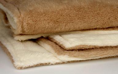 fotostrecke mollig warm wolldecke maharani von ritter. Black Bedroom Furniture Sets. Home Design Ideas