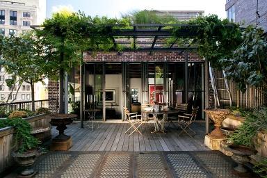 architektenh user dachterrasse ber den stra en new yorks bild 8 sch ner wohnen. Black Bedroom Furniture Sets. Home Design Ideas
