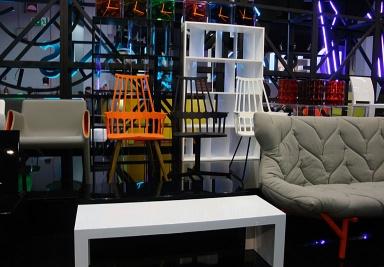fotostrecke leuchtendes orange zu grau und hellem holz. Black Bedroom Furniture Sets. Home Design Ideas