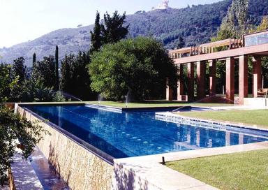 pool in den bergen barcelonas bild 28 sch ner wohnen. Black Bedroom Furniture Sets. Home Design Ideas
