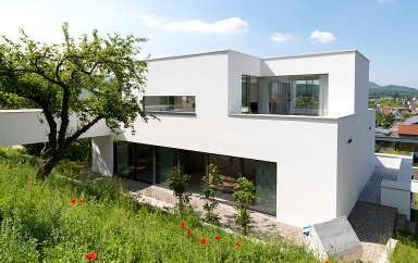 Haus des jahres 2012 an den berg angepasst bild 2 for Modernes tiny haus
