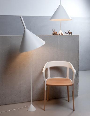moderne stehlampen mit sch nem design sch ner wohnen. Black Bedroom Furniture Sets. Home Design Ideas