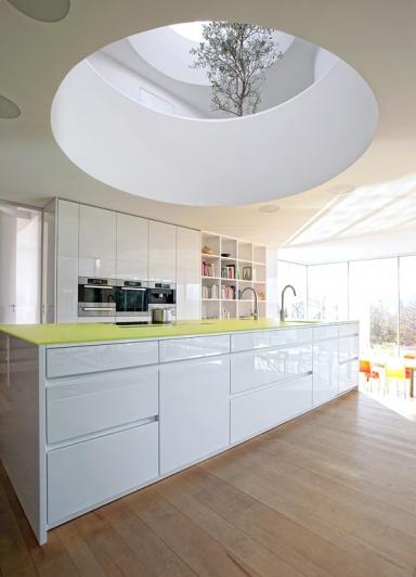 trend farbe wei mit farbe avance lg von leicht k chen bild 2 sch ner wohnen. Black Bedroom Furniture Sets. Home Design Ideas