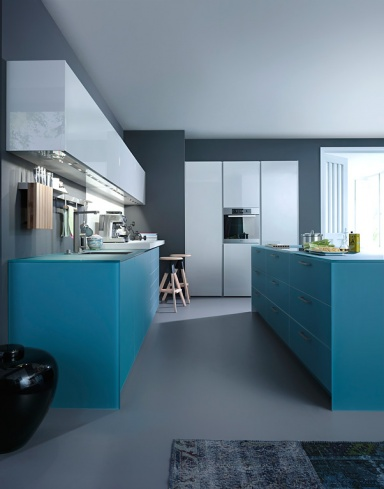 trend farbe kochen in meerblau k che ios m von leicht. Black Bedroom Furniture Sets. Home Design Ideas
