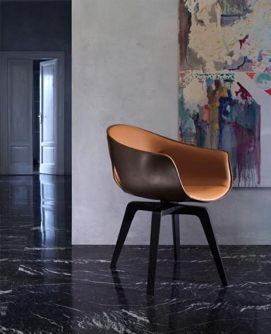 m bel stuhl ginger von poltrona frau bild 9 sch ner wohnen. Black Bedroom Furniture Sets. Home Design Ideas