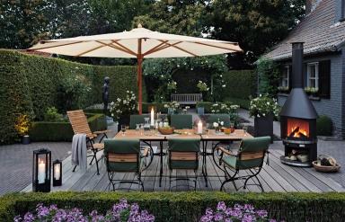 mit einem sonnenschirm den essplatz definieren bild 4 sch ner wohnen. Black Bedroom Furniture Sets. Home Design Ideas