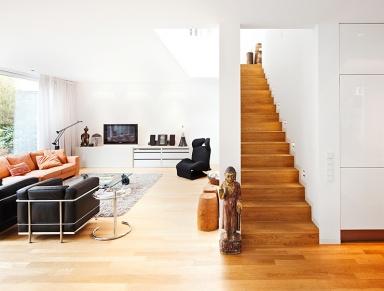 architektenh user haus mit garten im hinterhof sch ner. Black Bedroom Furniture Sets. Home Design Ideas
