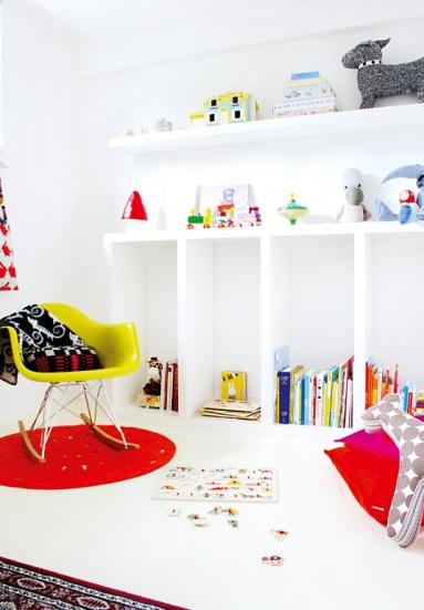 neuerscheinung: schlichtes kinderzimmer mit bunten details - bild, Wohnideen design