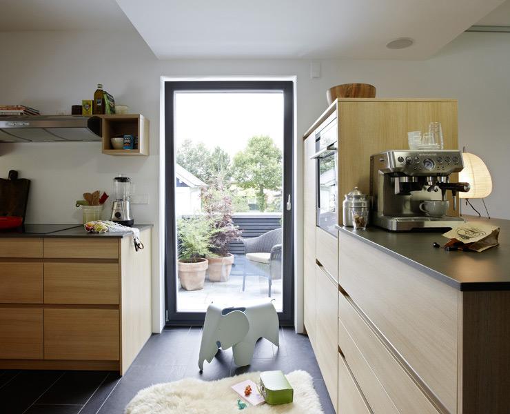 k che mit zugang zur terrasse wohnen wie im sch ner wohnen haus sch ner wohnen. Black Bedroom Furniture Sets. Home Design Ideas